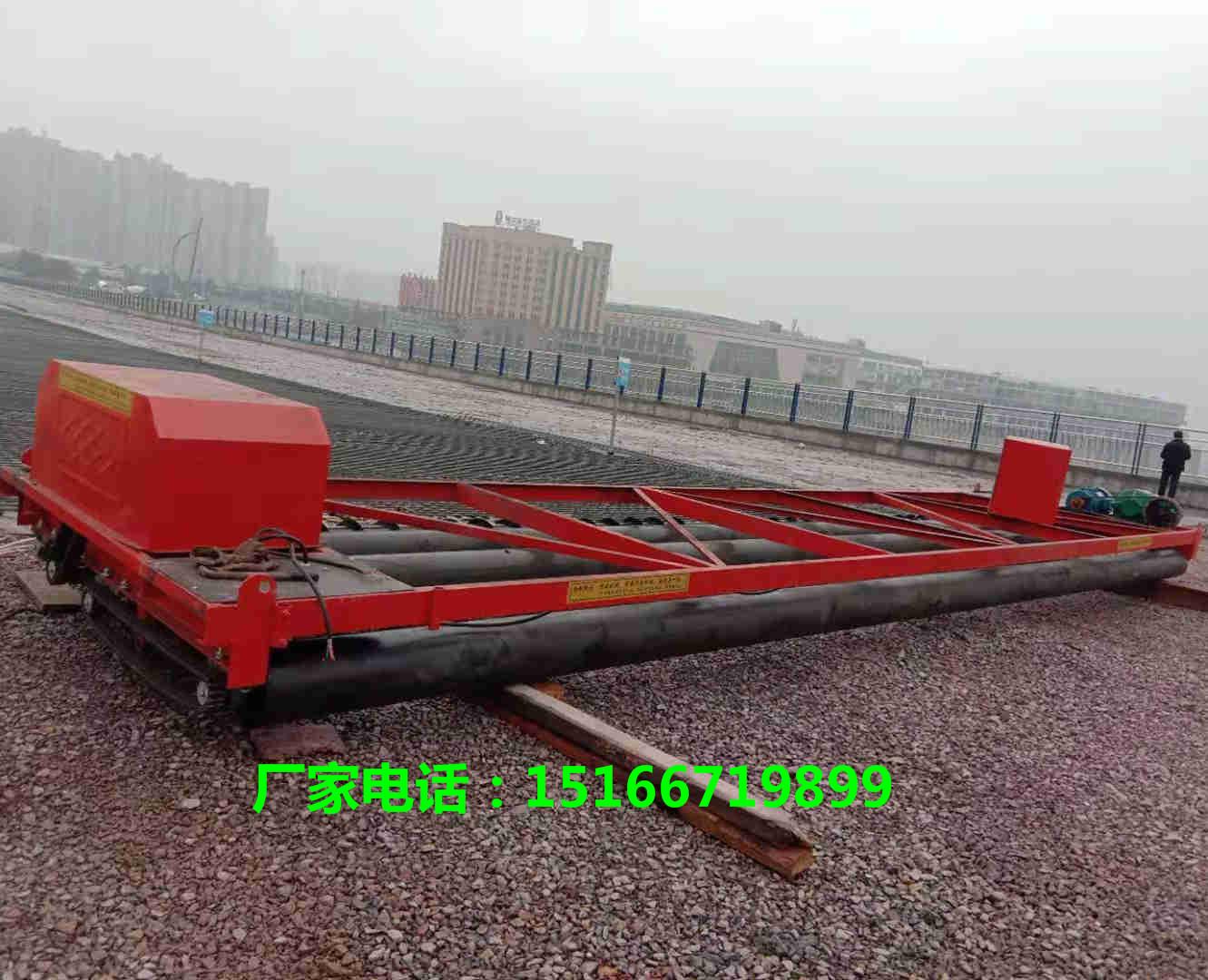 3轴4轴路面混凝土摊铺机路面整平机震动梁隧道式摊铺机图片